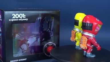 Star Ace 2001 A Space Odessey Defo Real Series Discovery Astronaut Yellow and Red Set Review