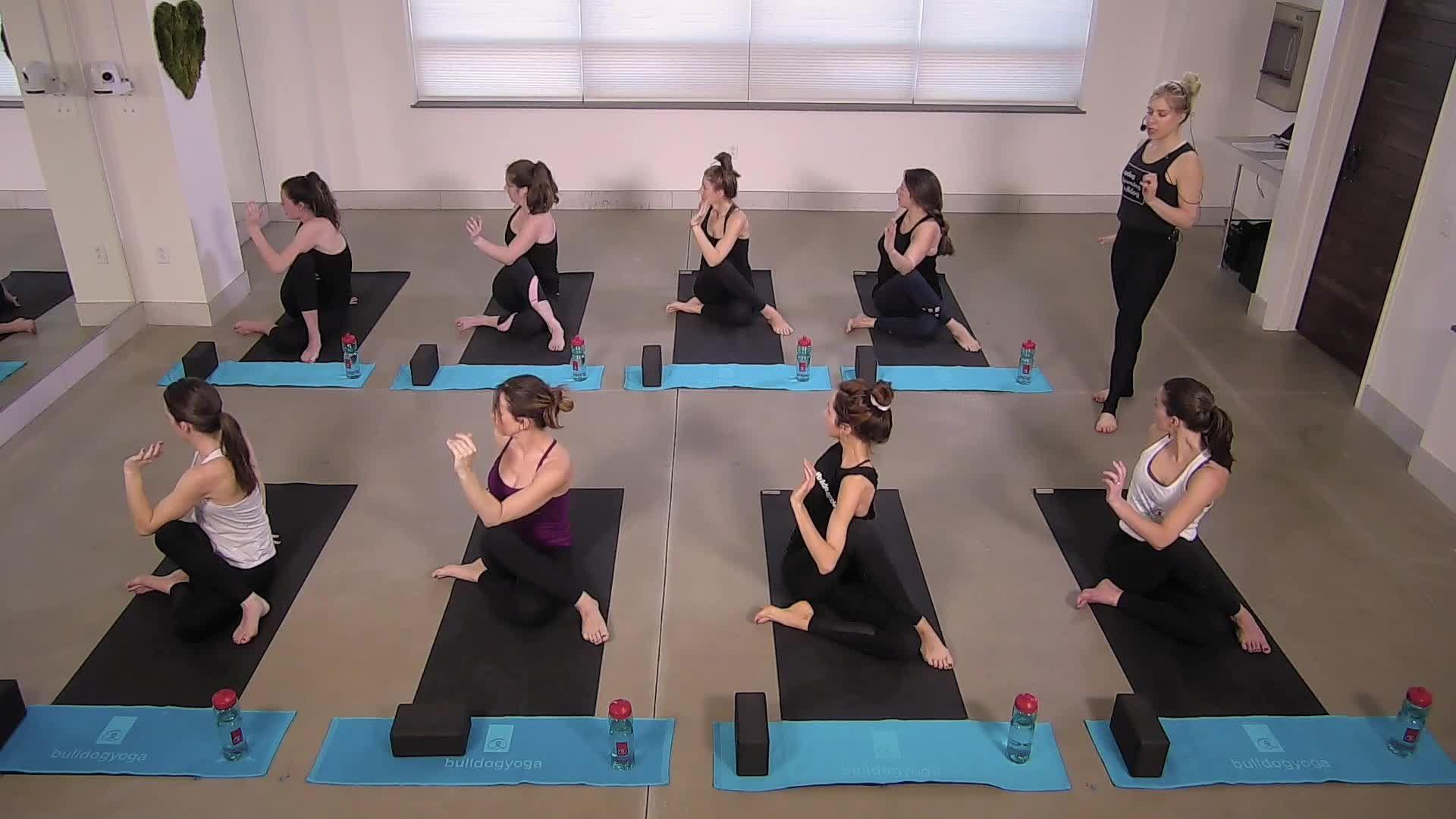 Twist & Detox - Restorative Yoga Flow