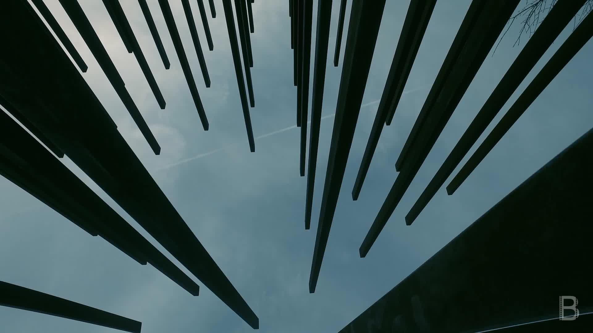 BELLA Presents: daily bello S1 Ep14 Sculpture Upside Down