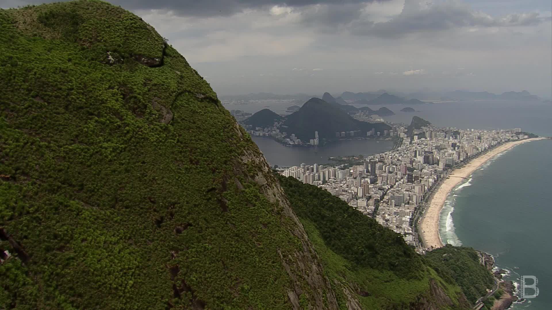 BELLA Presents: daily bello S1 Ep86 Flying over Rio de Janeiro 3