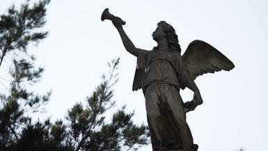 BELLA Presents: daily bello S1 Ep24 Sculptures Cemetery