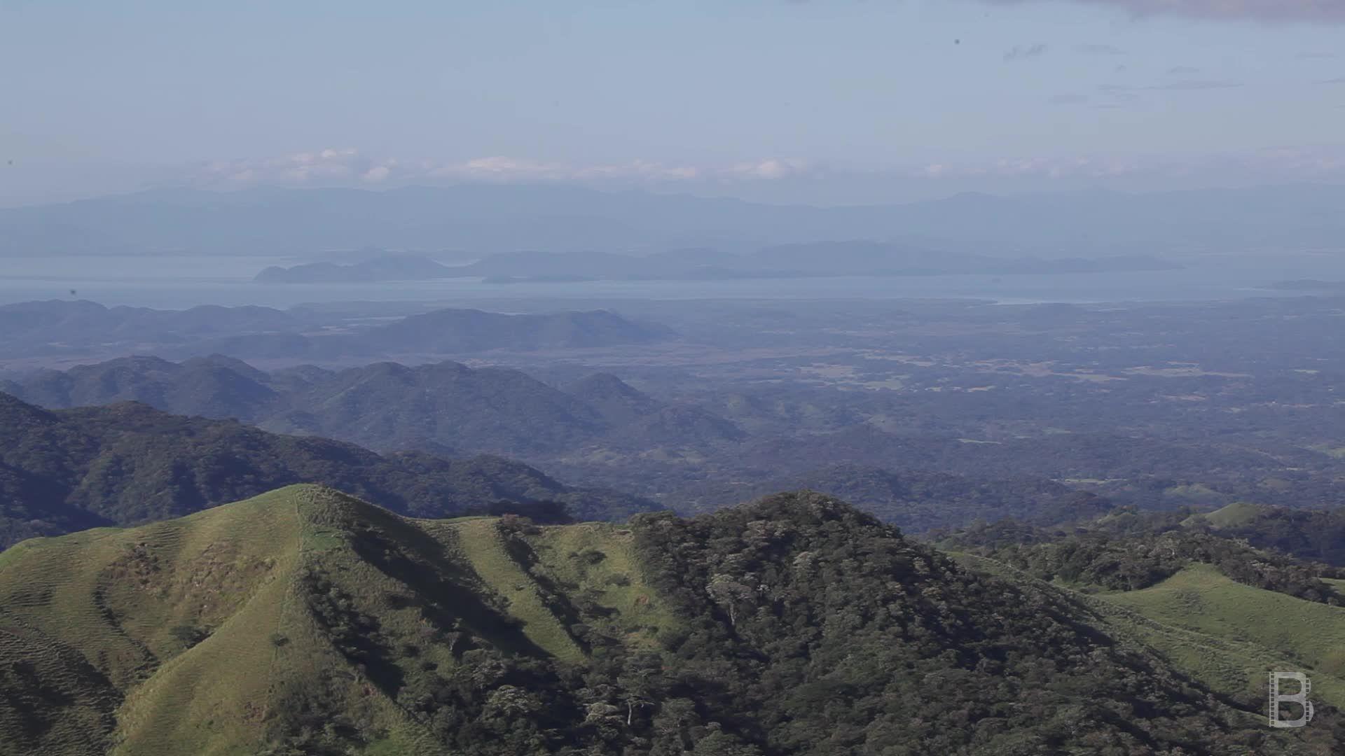 BELLA Presents: daily bello S1 Ep92 Monteverde Mountains in Costa Rica