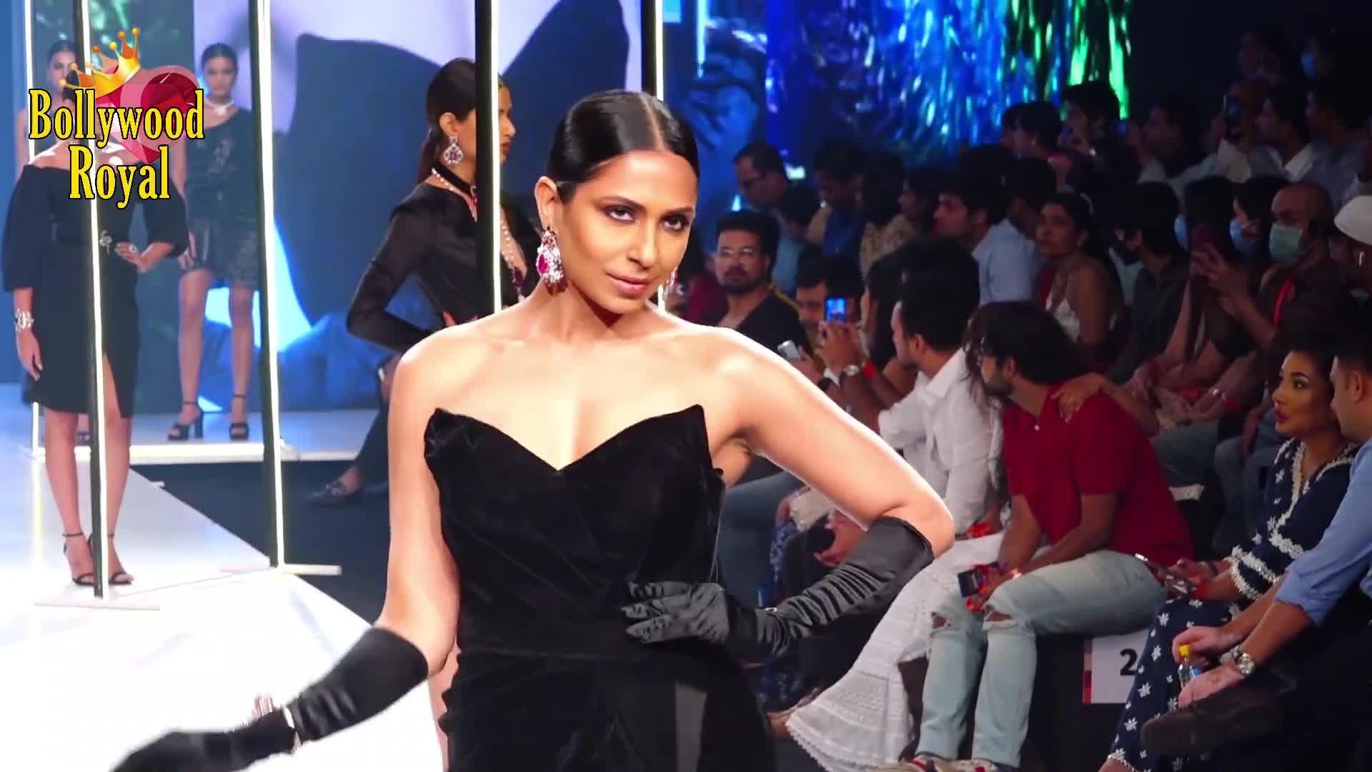 Tamannaah Bhatia & Gabriella Demetriades turns show stopper for Deme AT Bombay Times Fashion Week 20